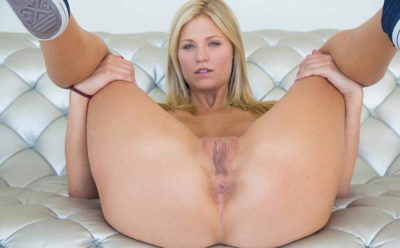 Scarlet Red - Sexy scarlet (2019/FullHD)