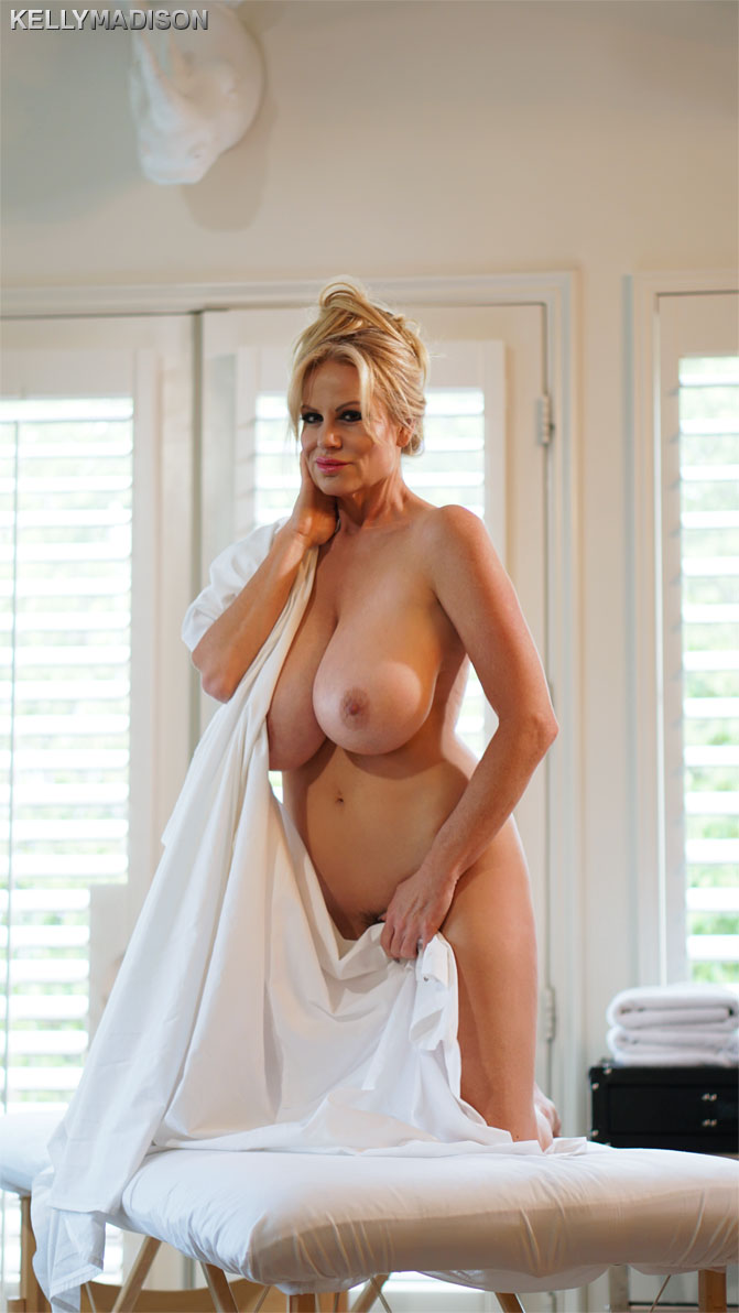 Kelly Madison - Massage A MILF (2019/FullHD)