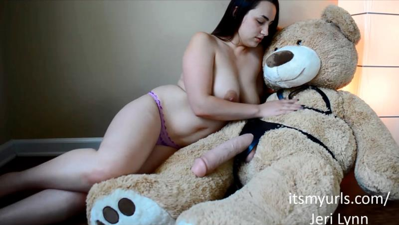 Jeri Lynn: Thick Mom Fucks Big Dirty Bear Dick (FullHD / 1080p / 2019) [Chaturbate]
