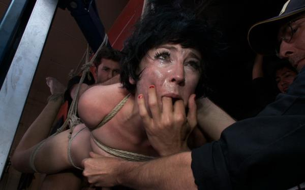 Coral Aorta - Emo Babe Fucked in Public by James Deen [SD 540p] 2019