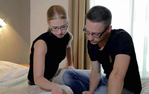 Veronika - Studying and Fucking with Nerdy Teeny (521 MB)