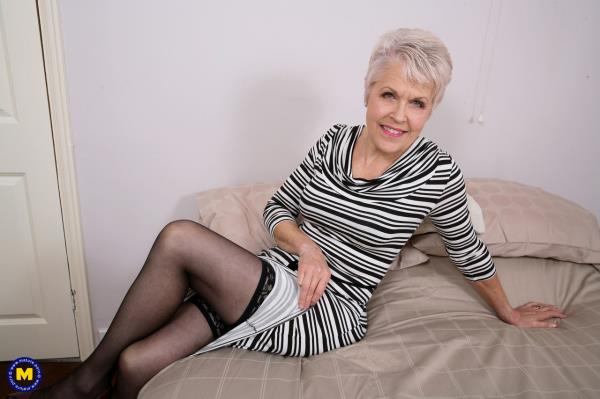 Lady Sextasy - British mature Lady Sextasy doing her toyboy [FullHD 1080p] 2019