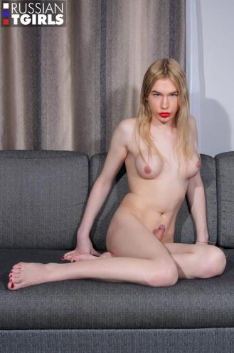 Alice Hilton - Alice Caresses Her Cock And Cums! (21.04.2019/Grooby.com, RussianTGirls.com/Transsexual/FullHD/1080p)