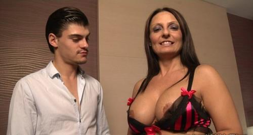 Barbara Gandalf - Naples : Barbara teste la double ! (421 MB)