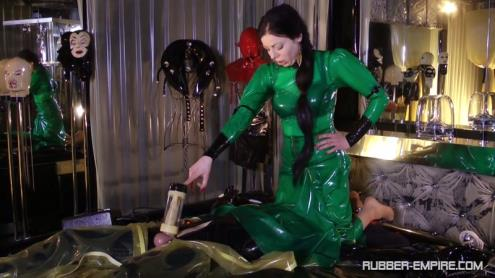 Lady Ashley - Machined Extracted And Looked Up Again [HD, 720p] [Rubber-Empire.com]
