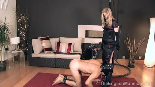 Chained to Her Boot (18.04.2019/TheEnglishMansion.com/HD/720p)
