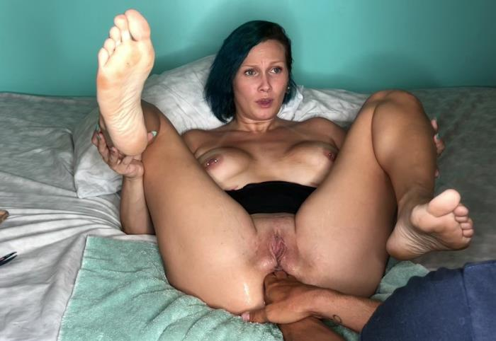Lily - Trying to Dbl fist my ass gaping (FullHD 1080p) - ManyVids - [2019]