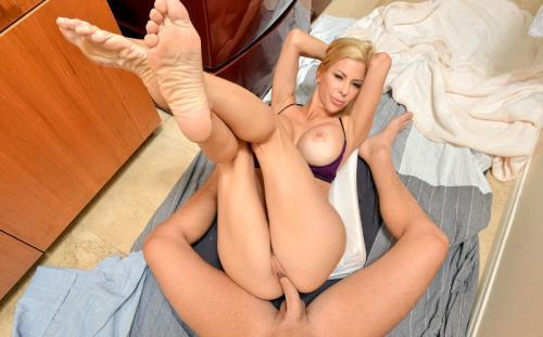 Alexis Fawx - Big Tits Milfs (2.87 GB)