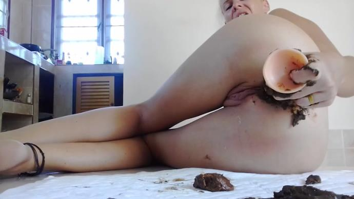 MissAnja - Dirty Anal Surprise  Sucking Messy Dildo [HD, 720p]