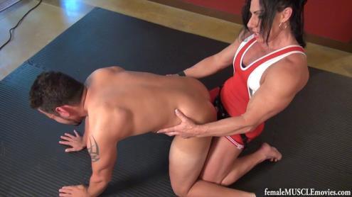 Lost match strapon - Female muscle fucks in ass of her slut [HD, 720p] [FemaleMuscleMovies.com]