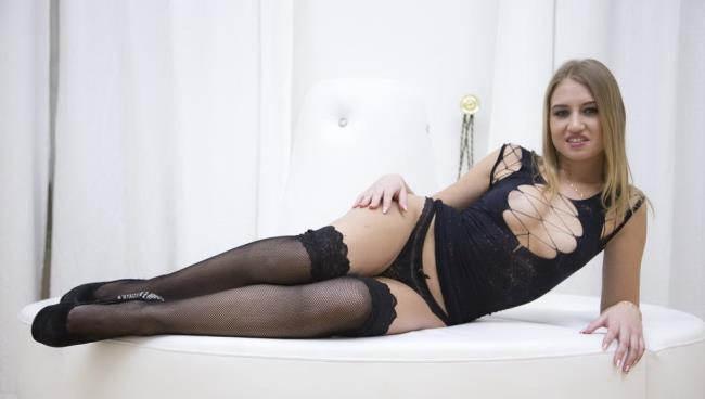 Sabrina Blanc: New russian slut Sabrina Blanc 3on1 anal DP RS601 (HD / 720p / 2019) [LegalPorno]