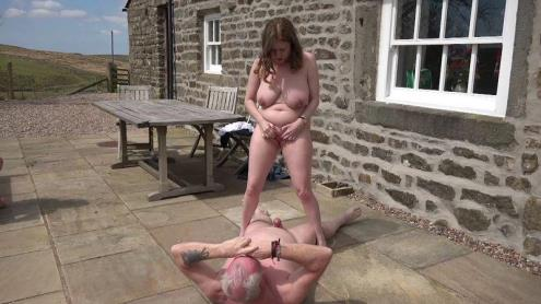 Naked old couple fuck outdoors [FullHD, 1080p] [GILFAdventures.com]