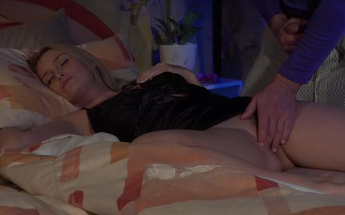 Kathia - Surprise mommy at the night with creampie (FullHD)