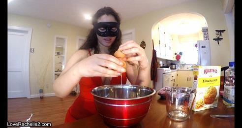 Love Rachelle - Slave Deserves A Treat! Baking Poop Muffins (UltraHD 4K 2160p)