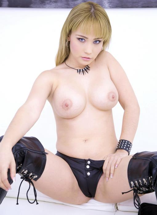 LegalPorno - Natasha Teen - Natasha Teen Assfucked In Threesome With DP And DAP SZ2160 [UltraHD 4K]