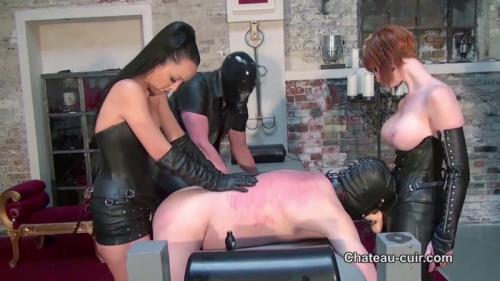 Two Mistresses - Brutal Strap [HD, 720p] [Chateau-Cuir.com]