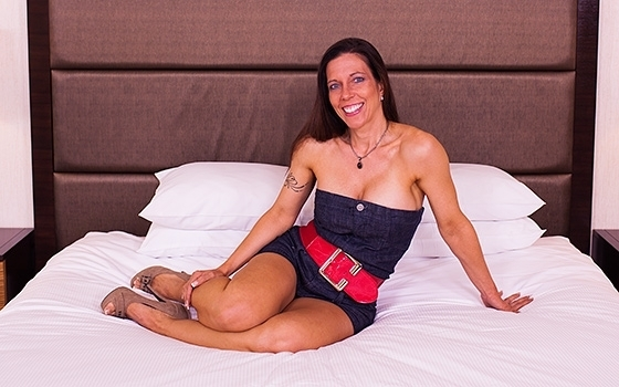 Gretchen - 42 year old fitness competitor tries porn [720p, HD]