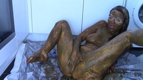 Evamarie88 - 10 Loads Extreme Smear (FullHD 1080p)