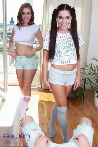 Vanessa, Antonia Sainz - Two babes share a cock... (4.79 GB)