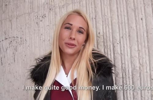 Kyra Hot - Blonde Amateur Fucks in Stockings (HD)
