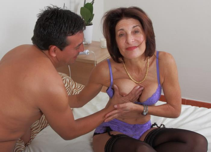 Mature.nl - Emanuelle - mat-ash002 [2019 HD] (MILF, Brunette, Natural Tits, Medium Tits, Stockings, Hairy Pussy, All Sex, Oral, Cumshot)