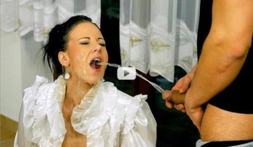 Nathaly Cherie - Pisser On The Prowl [720p, HD] [Tainster.com]