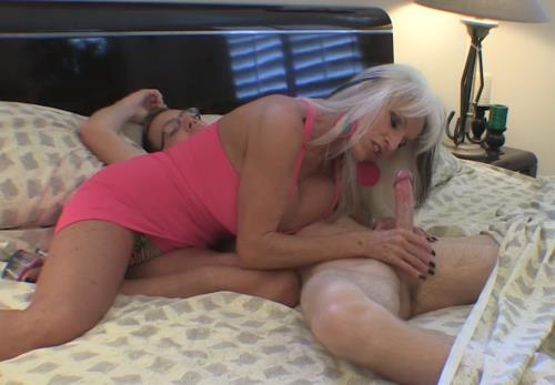 Various Actris - Filling grandma full of cock (FullHD)