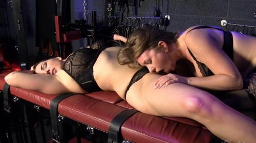 Mistress T - GAS Tantalizing Makeout (292 MB)