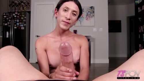 Ashley Silver - Amateur Petite Trans Stunner Makes A Porno [HD, 720p] [TsPov.com]
