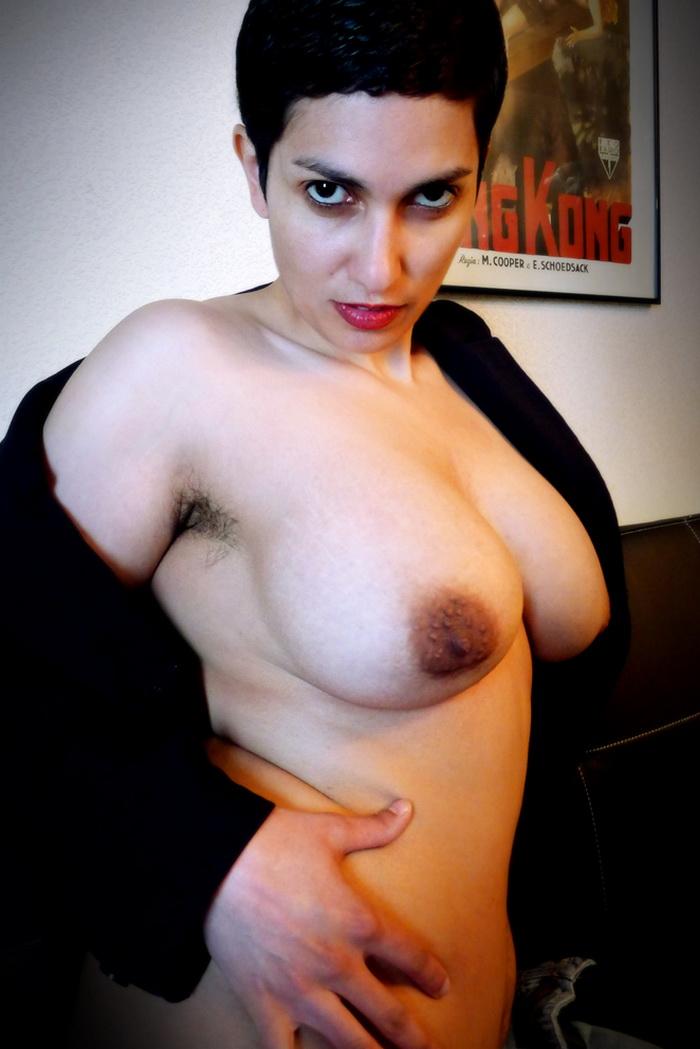 Celine Bara: Pornanthologie Volume 1,2,3 (SD / 400p / 2014)
