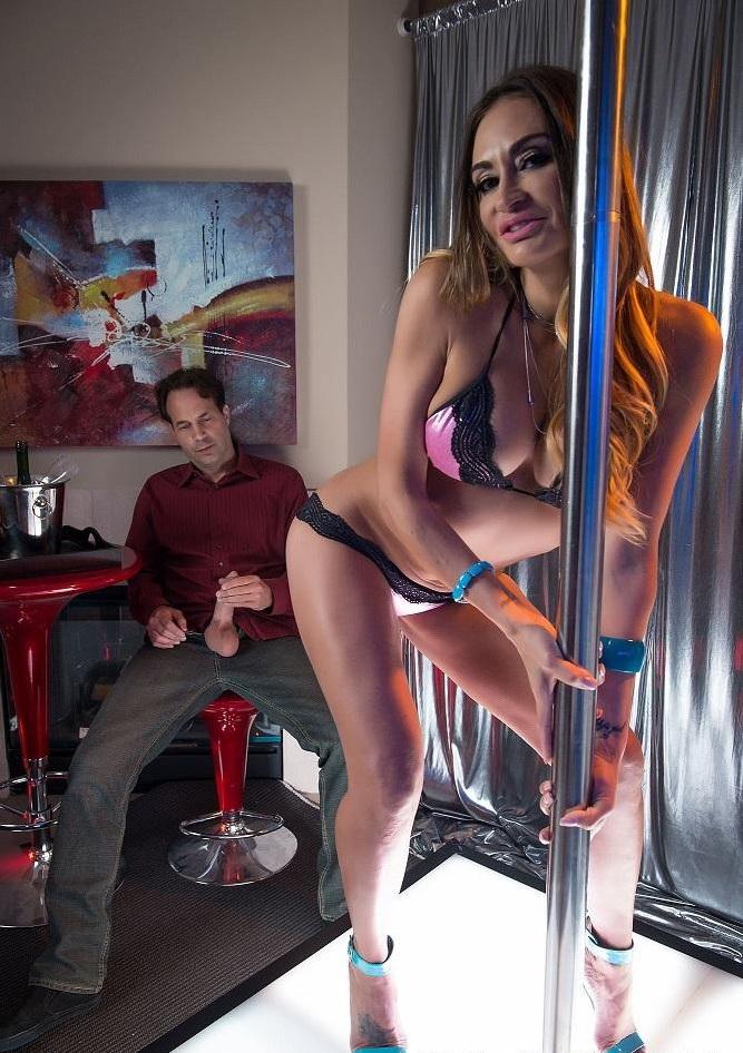 Claudia Valentine - Claudias Boyfriend (Spizoo) FullHD 1080p