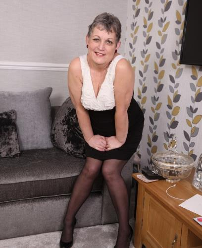Marika - Marika is an older lady that loves to play with her wet shaved pussy when shes alone at home... (1.56 GB)