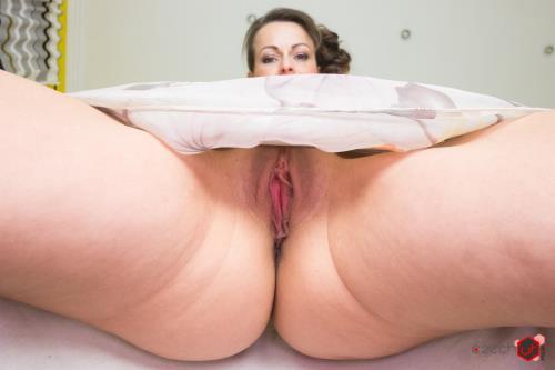 Caroline Ardolino - Sexy MILF Sitting on Your Face (UltraHD/2K)