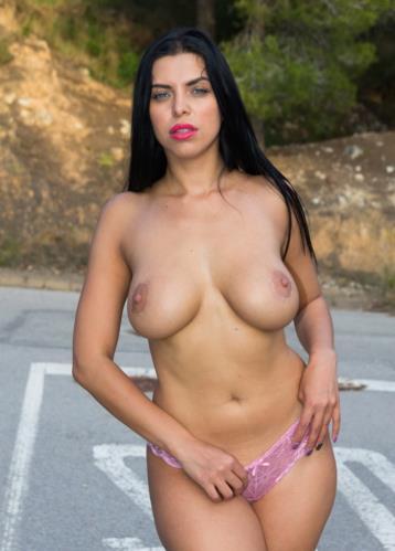 Kira Queen - Busty Russian babe Kira Queen eats cum in wild hard outdoor sex on the road (SD)