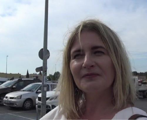 Stephanie - Stephanie, 44ans, marche au feeling (FullHD)