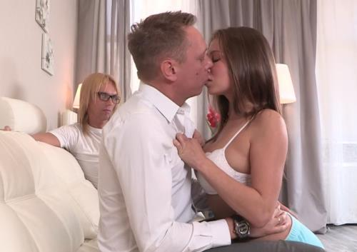 Laura - My boss fucked my wife (HD)