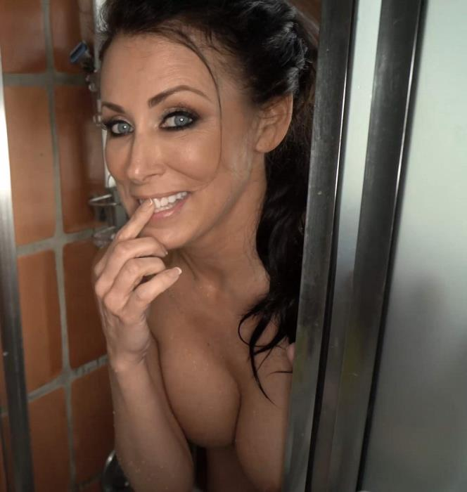 Reagan Foxx - My Mom Gets Me Hard And Makes Me Fuck Her in the Bathroom (2019) [UltraHD 4K/2160p/MP4/1.60 GB] by Gerrard1892