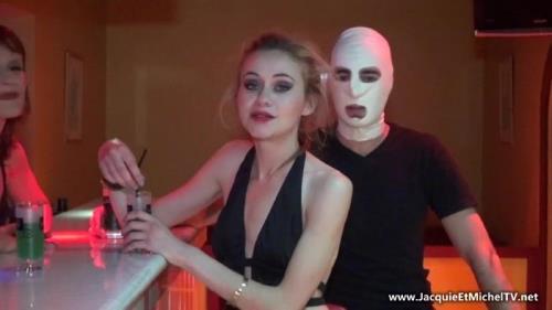 Morgane - Depravation sexuelle d'une grande bourgeoise! (FullHD)