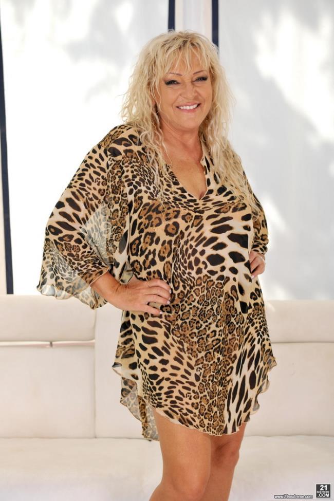 Kinky Leopard