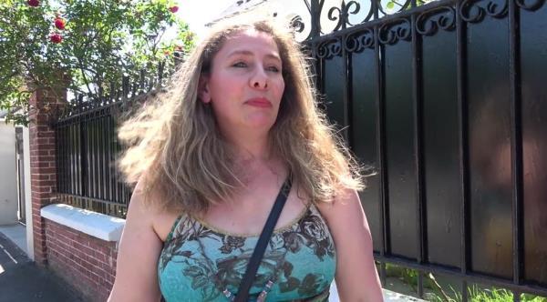 Aurelie - Aurelie, 36ans, veut renouer avec le sexe [FullHD 1080p] 2019
