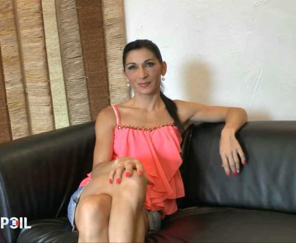 Linda - Linda joue les bourgeoise lors de son casting! [HD 720p] 2019