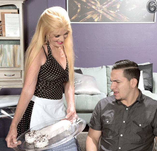 Charlie - Something's cooking in Charlie's kitchen...: 507 MB: HD 720p - [60PlusMilfs.com/PornMegaLoad.com]