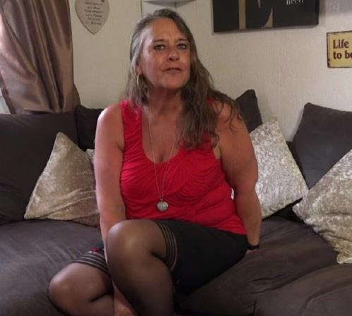 Sami (EU) (53) - Sami is Mature, alone and very frisky! Lets see what shes up to (FullHD)