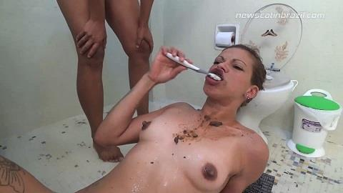 Diana, Lisa Black - Playing with toothbrush! (FullHD 1080p)