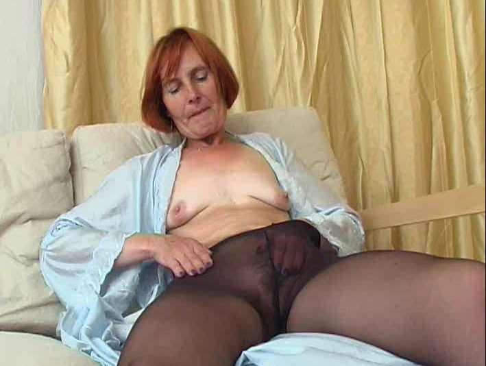 Amateur: Solo Moms In Pantyhose (SD / 576p / 2019) [MaximumMatures]