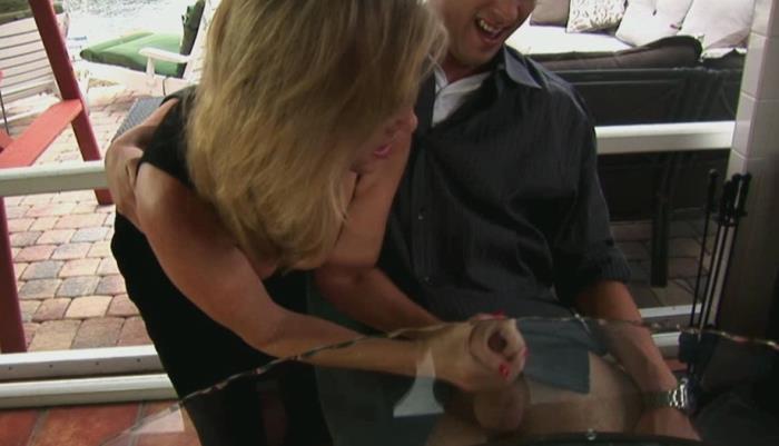Jodiwest: Failing Son Gets A Handjob - Jodi West [2019] (HD 720p)