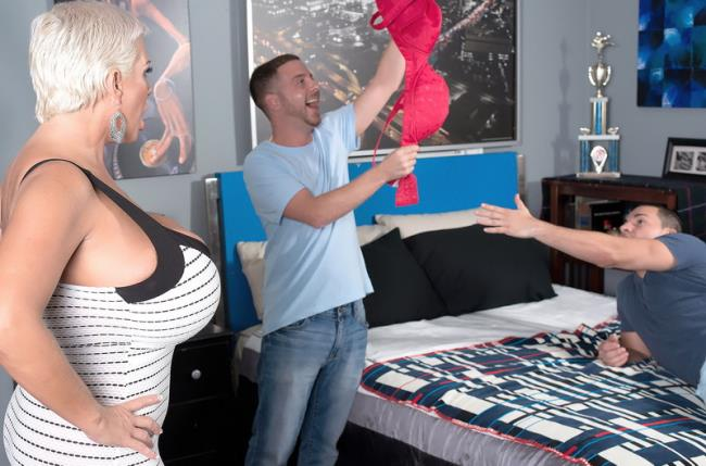 Claudia Marie - Mega-boober's Threesome: 631 MB: HD 720p - [ScoreHD.com/Scoreland.com]