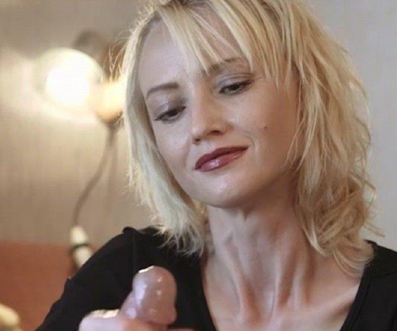 [Clips4sale] - Li - Nice CumShot and Hand (2019 / HD 720p)