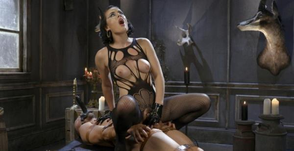 DIVINEBITCHES: Vagina Dentata - Olive Glass Unleashes Her Perfect Cunt Onto Slave Meat (HD) - 2019
