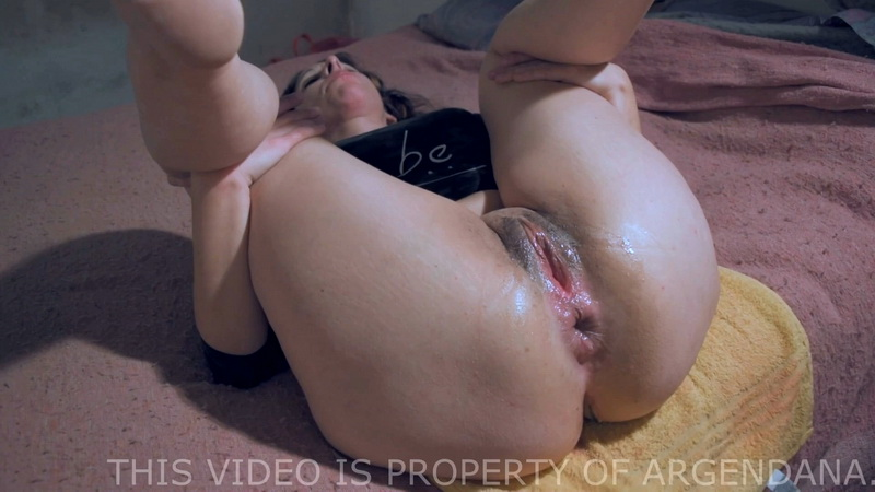ArgenDana - Even more Gaped and Prolapsed Rosebud XL with ArgenDana (ManyVids) [FullHD 1080p]